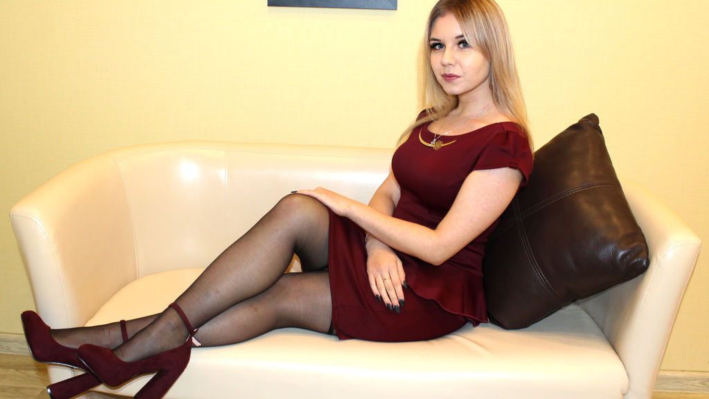 Watch the sexy MelissaLu from LiveJasmin at GirlsOfJasmin