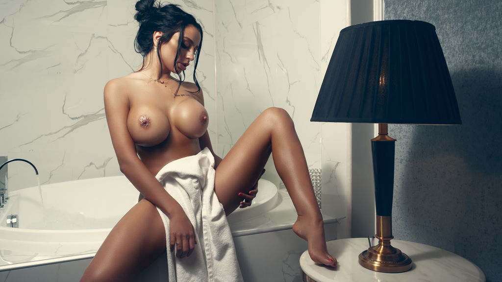 Statistics of nicolebellaa cam girl at GirlsOfJasmin