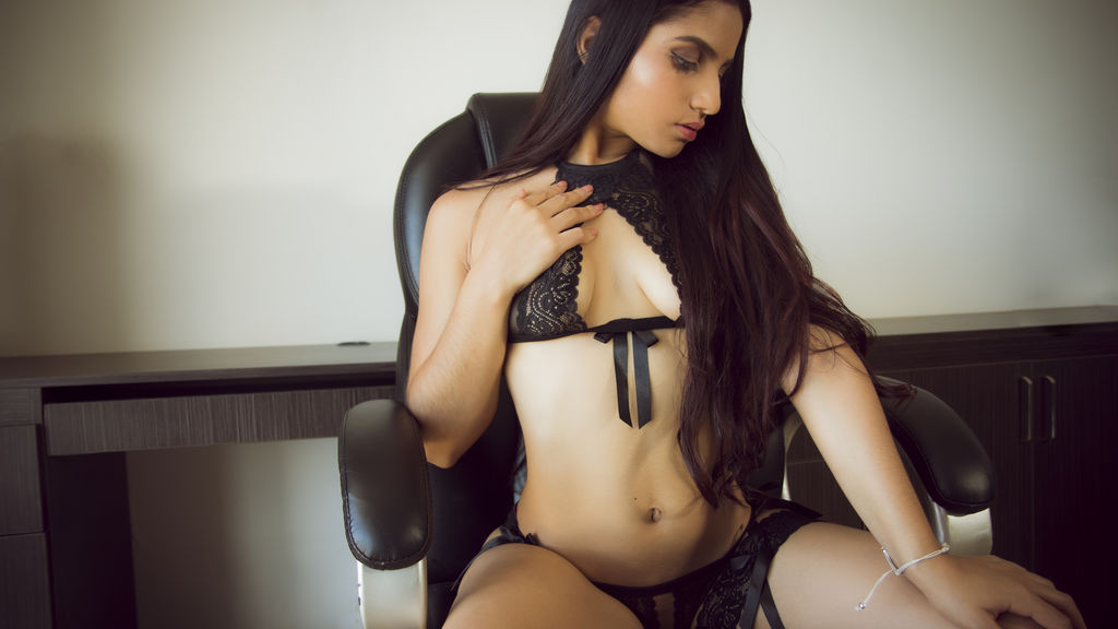 SaraBentley online at GirlsOfJasmin
