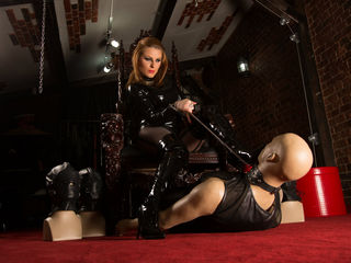 Webcam model LadyValerie666 from Jasmin