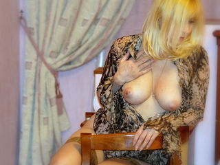 LadyAlexis1 online sex-I'm Alexis  single..