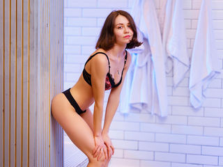 EVALOTTA Adults Only!-I am young and shy