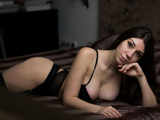 Cameltoe, Dancing, Dildo, Fingering, Live orgasm, Love balls, Oil, Roleplay, Smoking, Strap on, Vibrator, Zoom, Snapshot