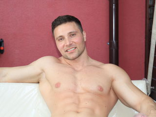Rippedmuscle: Live Cam Show
